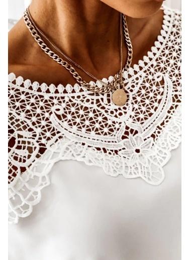 BLACK&GRACE Kadın Siyah Lili Motif Detaylı Bluz Beyaz